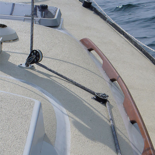 Kiwigrip non skid coating for Boat non slip deck paint