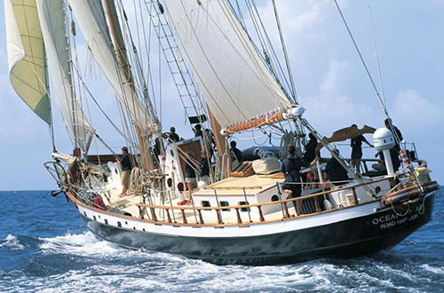 2-masted schooner Ocean Star with Max-Prop automatic feathering propeller
